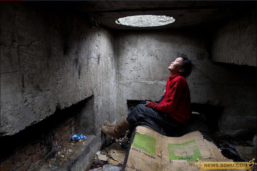 下水道里的蒙古国穷人