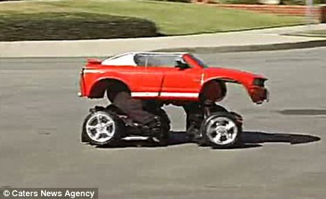 发烧友用玩具汽车制成现实版汽车人套装(图)