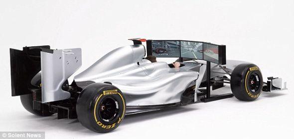 英国FMCG国际公司制造的F1模拟器,售价8.999万英镑(约合14万美元),装有3个23英寸(约合58厘米)显示屏和1个塔式立体声音箱,买家可以要求FMCG将模拟器喷上自己喜欢的车队的颜色