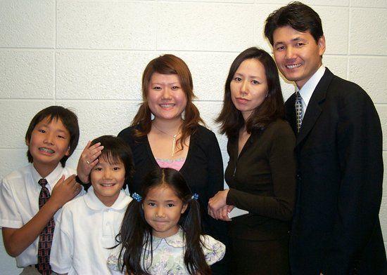 现代日本人是由日本列岛的当地居民绳文人和来自东亚大陆的弥生人不断混血形成的