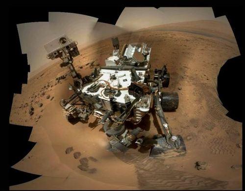 """天文迷抢先NASA发好奇号火星车""""自拍照""""(图)"""