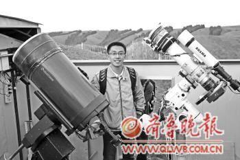 孙霈源在新疆乌鲁木齐星明天文台。