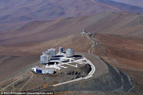欧洲南方天文台甚大望远镜设施,该项研究的很多工作都是在这里完成的