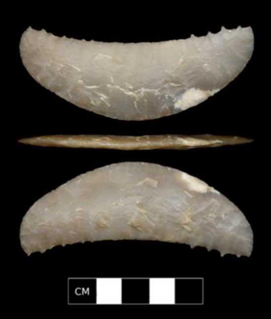 加利福利亚考古遗址中发现的新月形抛掷器(uux.cn)