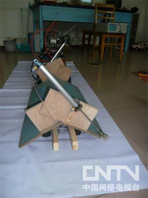 [我爱发明]中起式自卸车-发明梦工厂-中国网络电视台